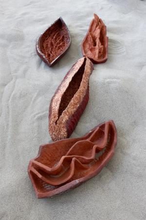 Ceramiki na piasku.