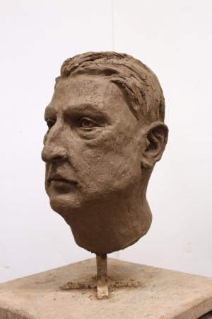 Sabina Krysik, Rzeźba - ujęcie z lewej strony