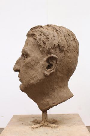 Sabina Krysik, Rzeźba - lewy profil