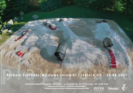 """Plakat do wystawy ceramiki i szkła Barbary Falender pt. """"Playground""""."""