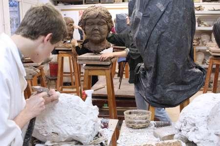 Odlew głowy. Pracownia Rzeźby. Fot. M. Miodowski